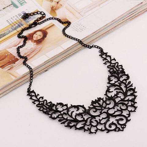 2017 New Metallic Hollow Carved Necklace Fashion Women Bib Choker Statement Vintage Pendants Maxi Necklace Collier Femme