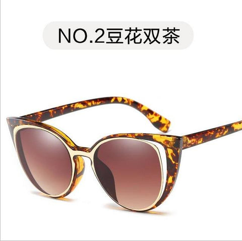 Clear and cool Cat Cateye Frame Large Size Vintage Fashion Sunglasses Mirror Sunglasses Glasses Lady Glasses High Quality