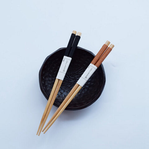 1 pair  Popular Japanese chopsticks tied tip line natural wood chopsticks sushi chopsticks black iron wood wrapped wire Khaki