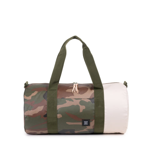 STUDIO SUTTON DUFFLE-MID VOLUME - WOODLAND CAMO