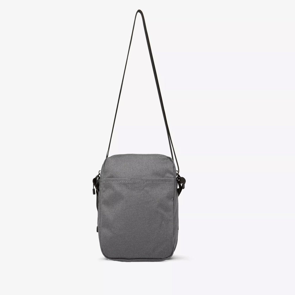 NIKE TECH SMALL BAG