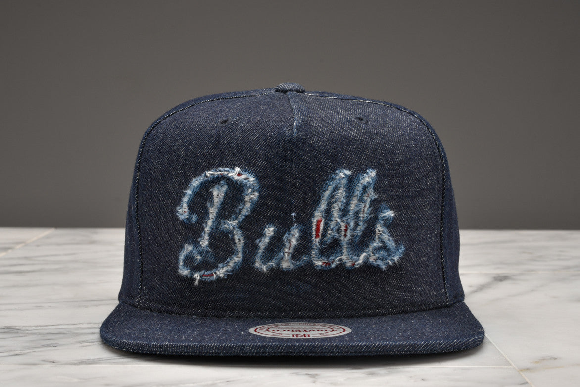 "LAPSTONE & HAMMER x MITCHELL & NESS ""DESTRUCTED DENIM"" - BULLS SCRIPT"