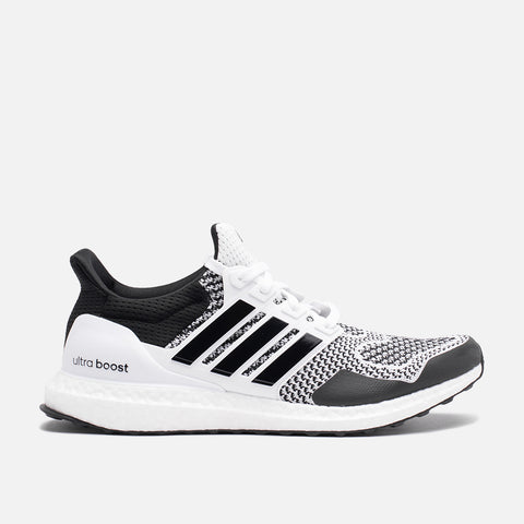 ULTRABOOST 1.0 DNA - WHITE / BLACK