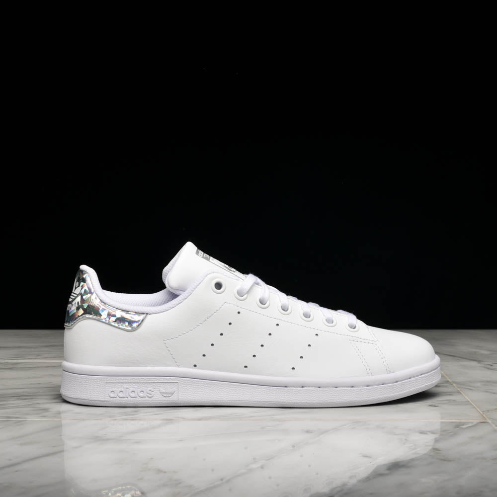 STAN SMITH (GS) - WHITE / IRIDESCENT SILVER