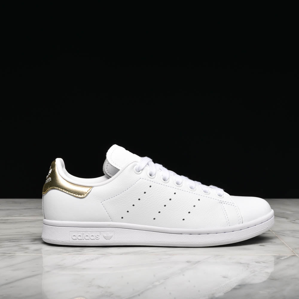 the latest 06486 18c0a WMNS STAN SMITH - WHITE / GOLD METALLIC