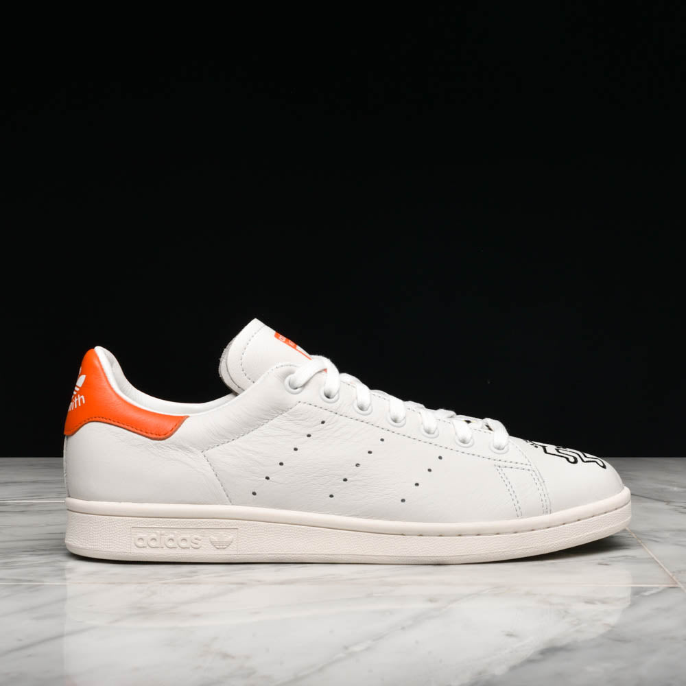 the latest 6e0d1 908c9 KEITH HARING X ADIDAS STAN SMITH