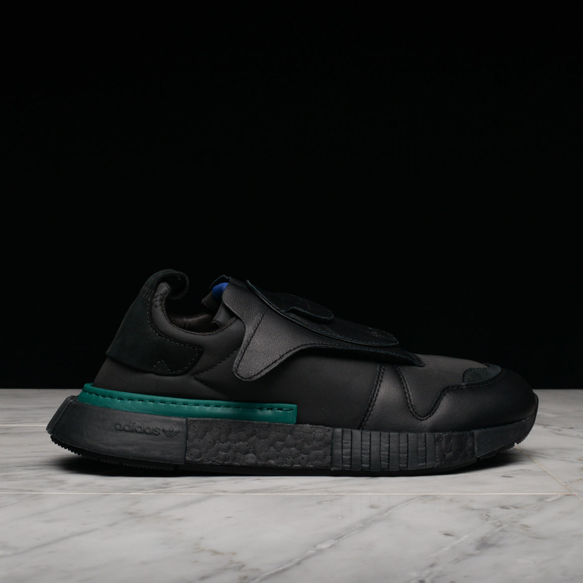 FUTUREPACER - BLACK / CARBON