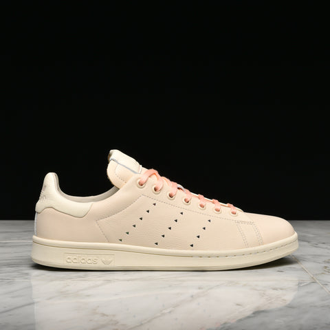 PHARRELL WILLIAMS X ADIDAS STAN SMITH - ECRU TINT / CREAM WHITE / CLEAR BROWN