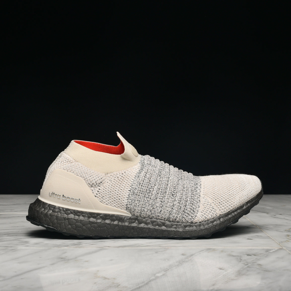 6a39351ede413 ULTRABOOST LACELESS - CLEAR BROWN   WHITE   CARBON ...