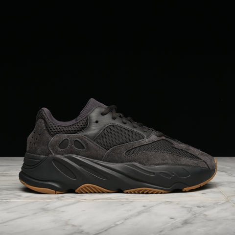 "YEEZY BOOST 700 ""UTILITY BLACK"""