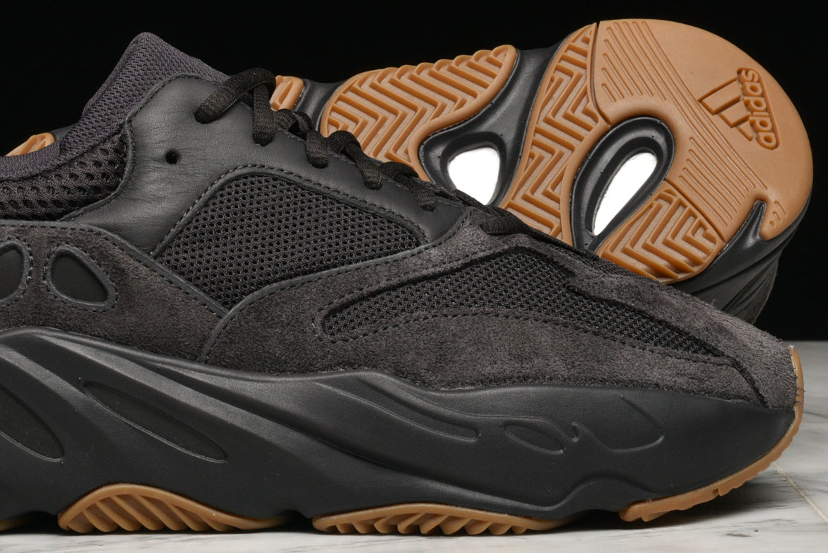 promo code 39db2 a12e6 YEEZY BOOST 700