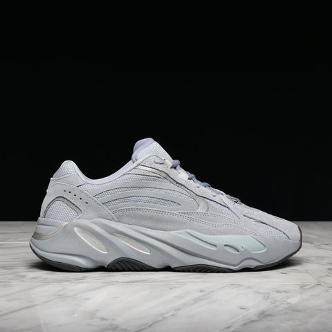 "YEEZY BOOST 700 V2 ""HOSPITAL BLUE"""