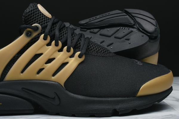 AIR PRESTO ESSENTIAL - BLACK / METALLIC GOLD
