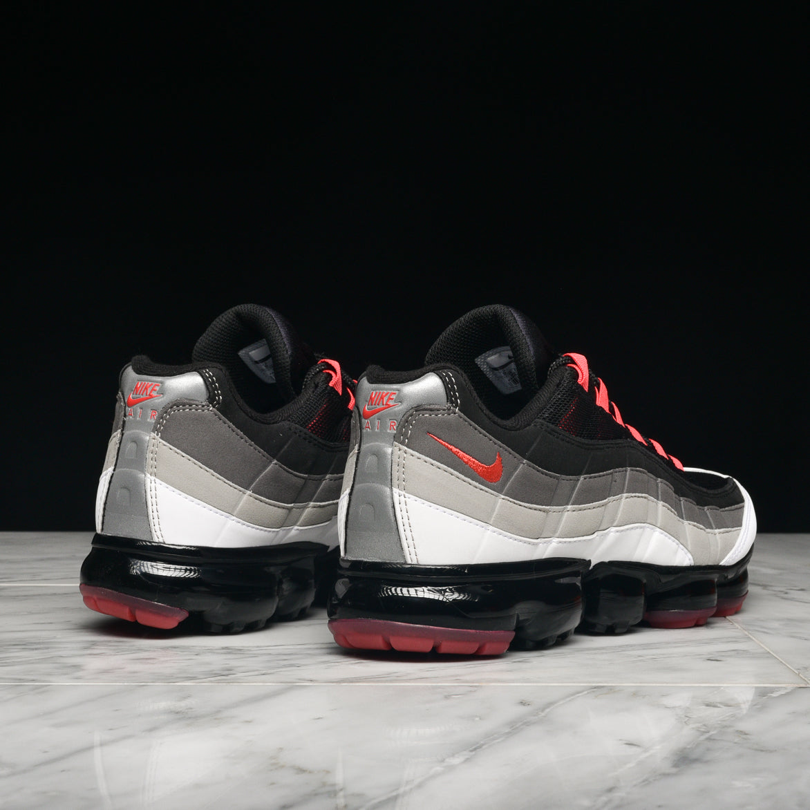 "AIR VAPORMAX `95 ""HOT RED"""