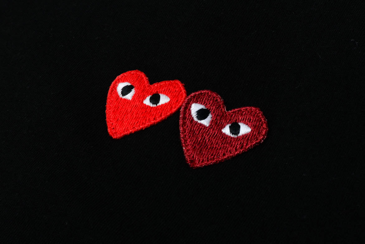 DOUBLE HEART TEE - BLACK / RED