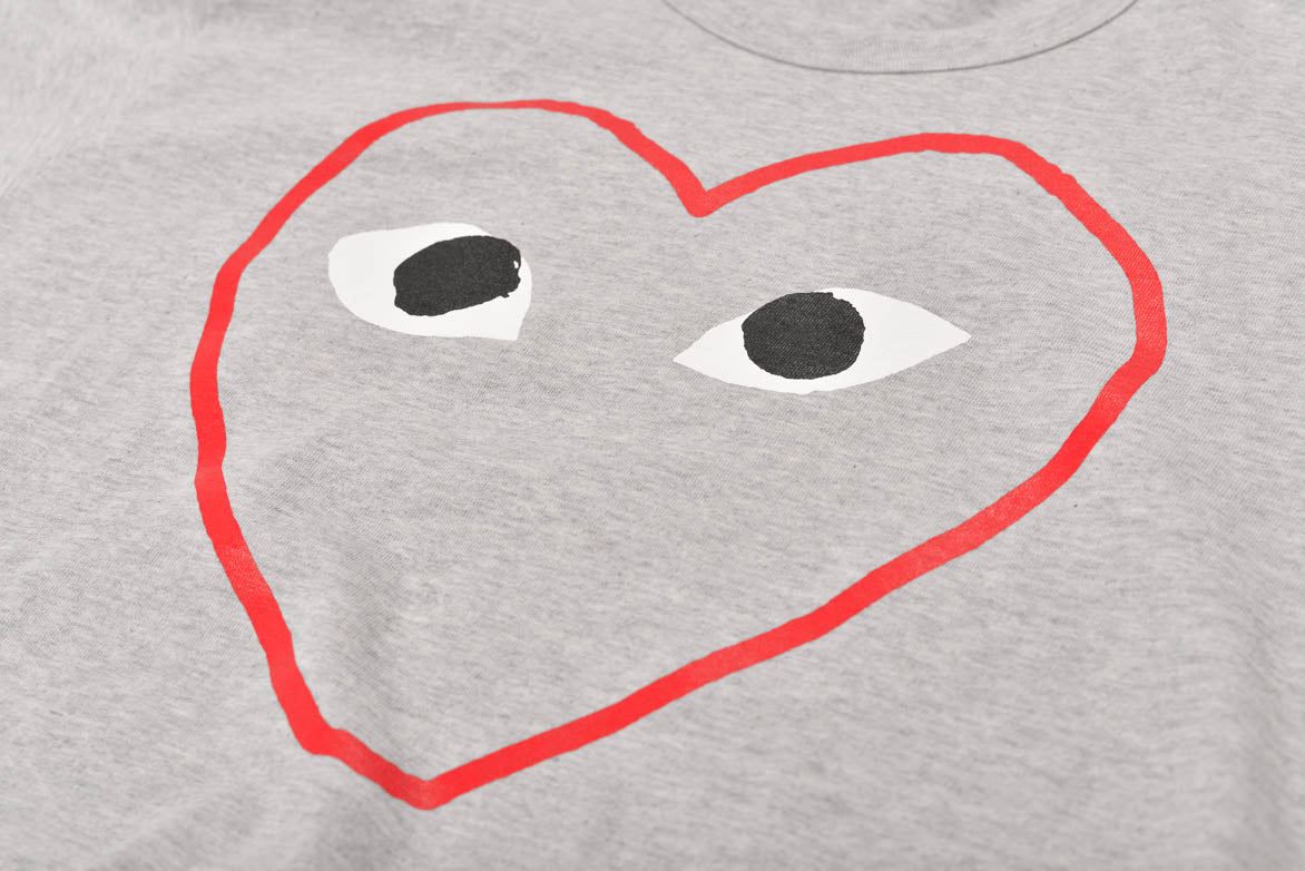 RED HEART SKETCH TEE - GREY / RED