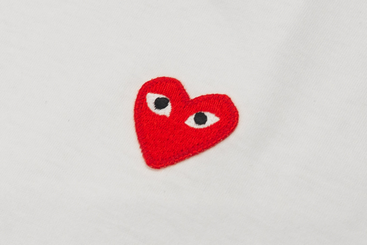 HEM PRINT HEART TEE - WHITE / RED