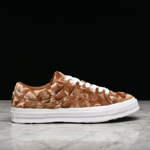 "GOLF LE FLEUR* X CONVERSE ONE STAR OX ""QUILTED VELVET"" - BROWN SUGAR"