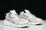 WMNS AIR HUARACHE CITY LOW - WOLF GREY / WHITE