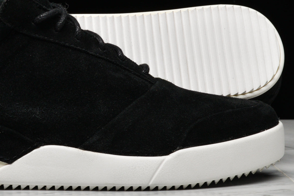 001 BY JOHN GEIGER - OG BLACK / WHITE