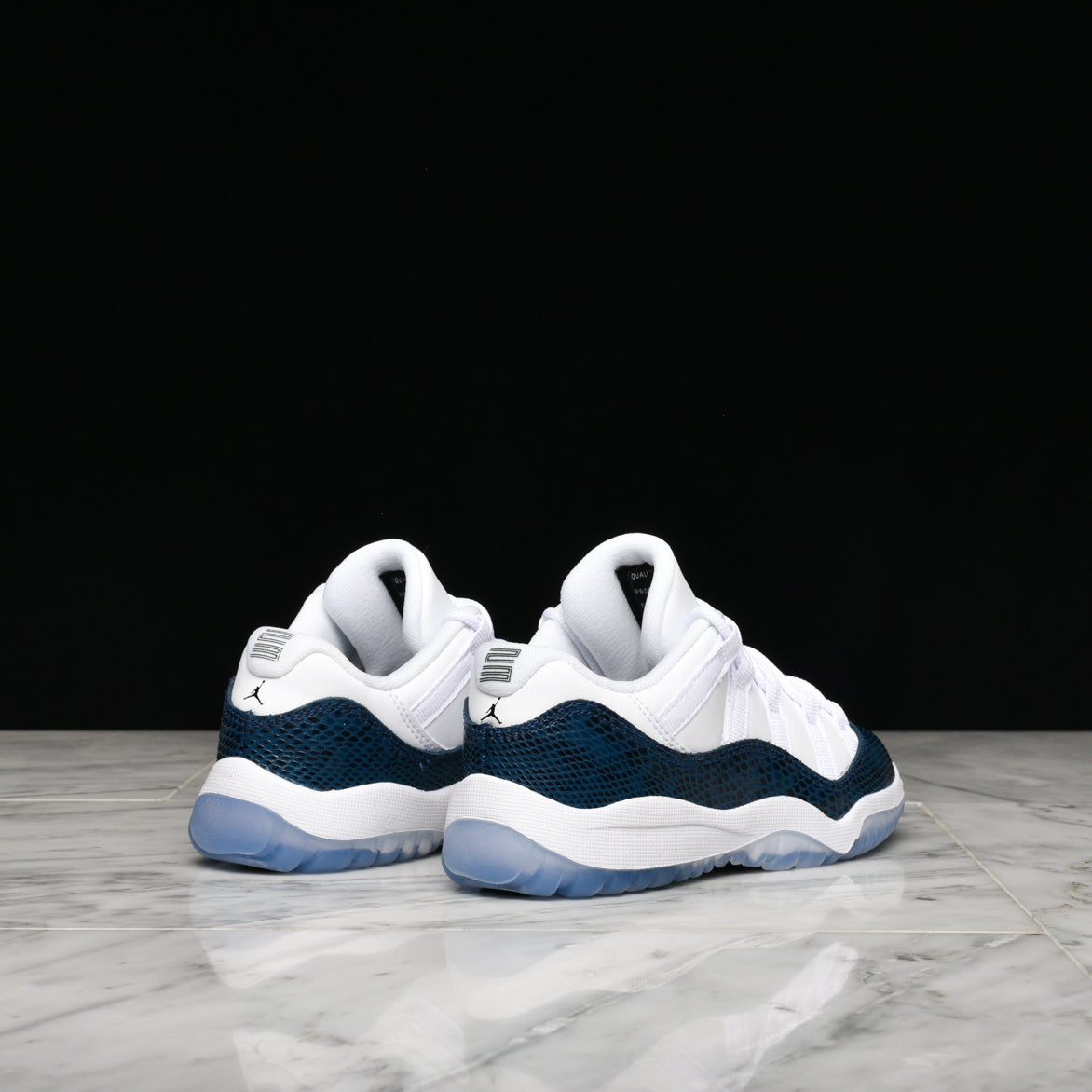 3e996a02810c ... AIR JORDAN 11 RETRO LOW LE (PS)
