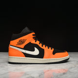 AIR JORDAN 1 MID - BLACK / CONE / LIGHT BONE