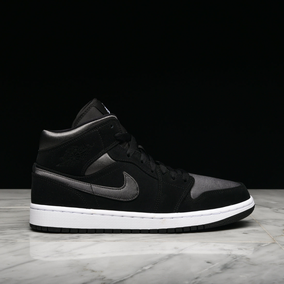 hot sale online e52fc e6596 AIR JORDAN 1 MID SE - BLACK / ANTHRACITE