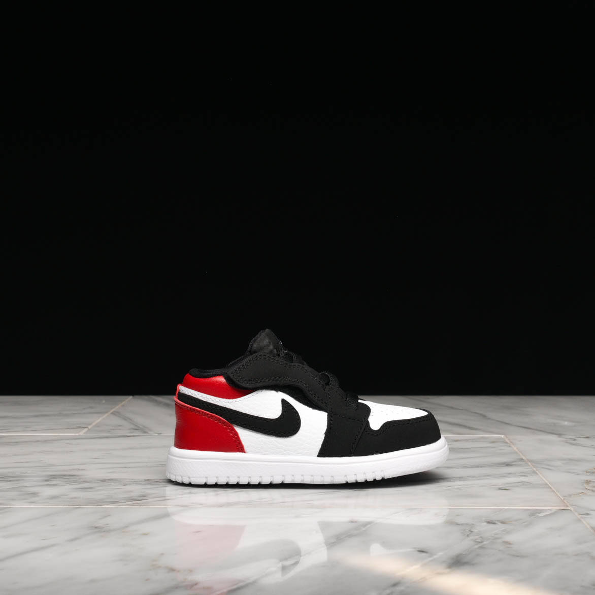 first rate 4f2e9 54be6 JORDAN 1 LOW ALT (TD) - WHITE / BLACK - GYM RED