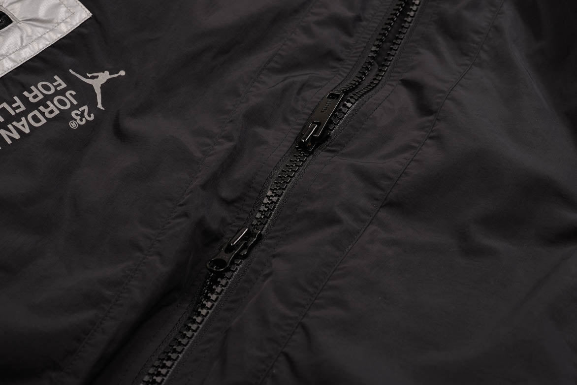 23 ENGINEERED BOMBER JACKET - BLACK / METALLIC SILVER