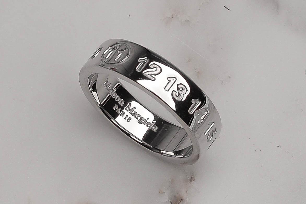 ENGRAVED LOGO RING - SILVER