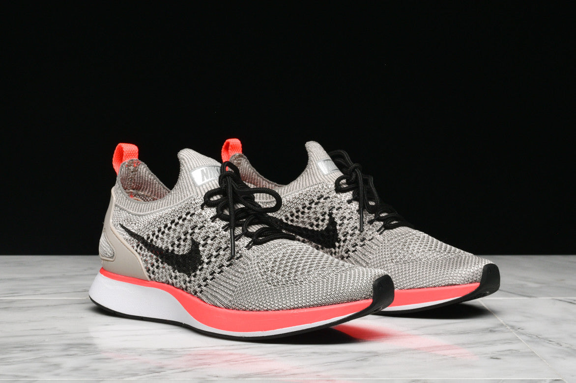 WMNS AIR ZOOM MARIAH FLYKNIT RACER PRM (WMNS) - STRING / SOLAR RED