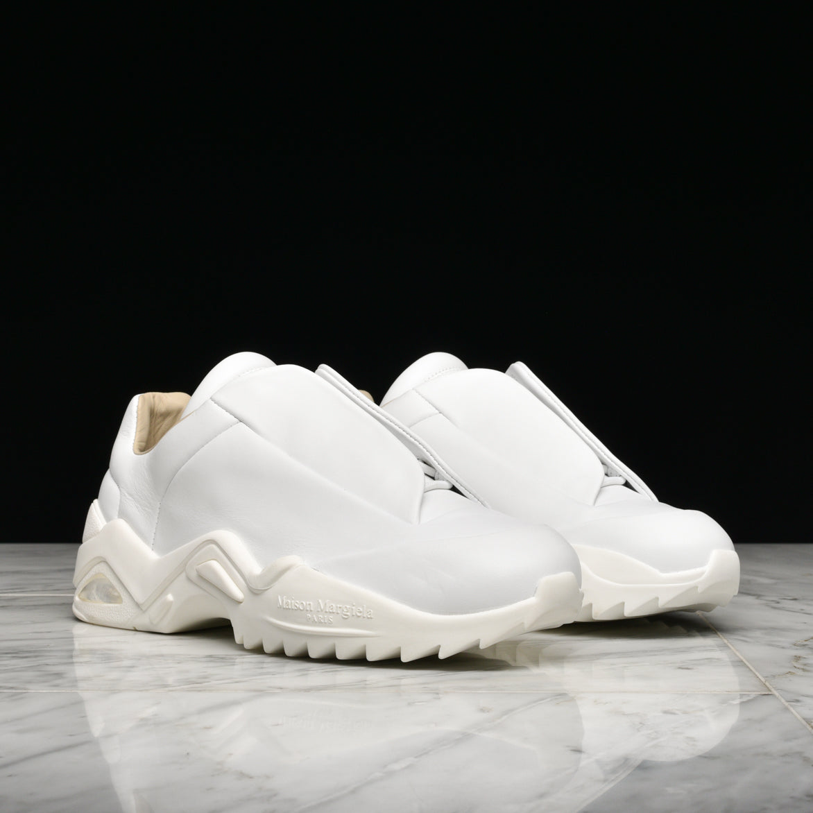 FUTURE LOW TOP SNEAKER - WHITE