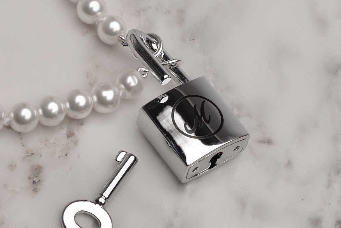 PEARL PADLOCK NECKLACE - SILVER