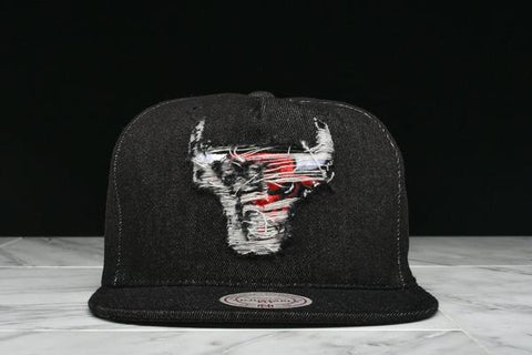 "LAPSTONE & HAMMER x MITCHELL & NESS ""BLACK DESTRUCTED DENIM"" - BULLS"