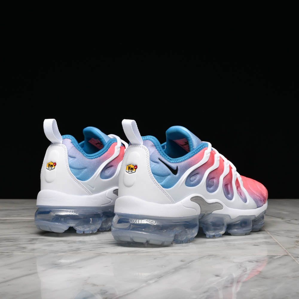 "WMNS AIR VAPORMAX PLUS ""LAVA GLOW"""