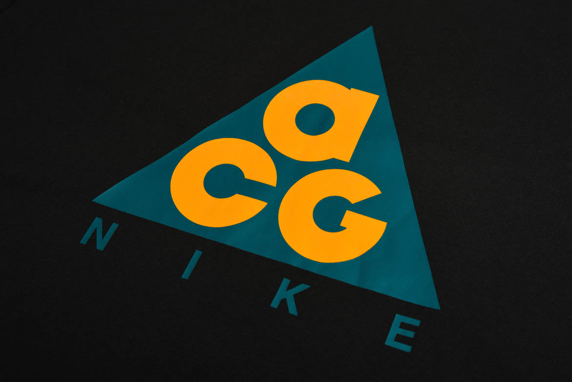 ACG OUTDOOR TEE - BLACK / BRIGHT SPRUCE