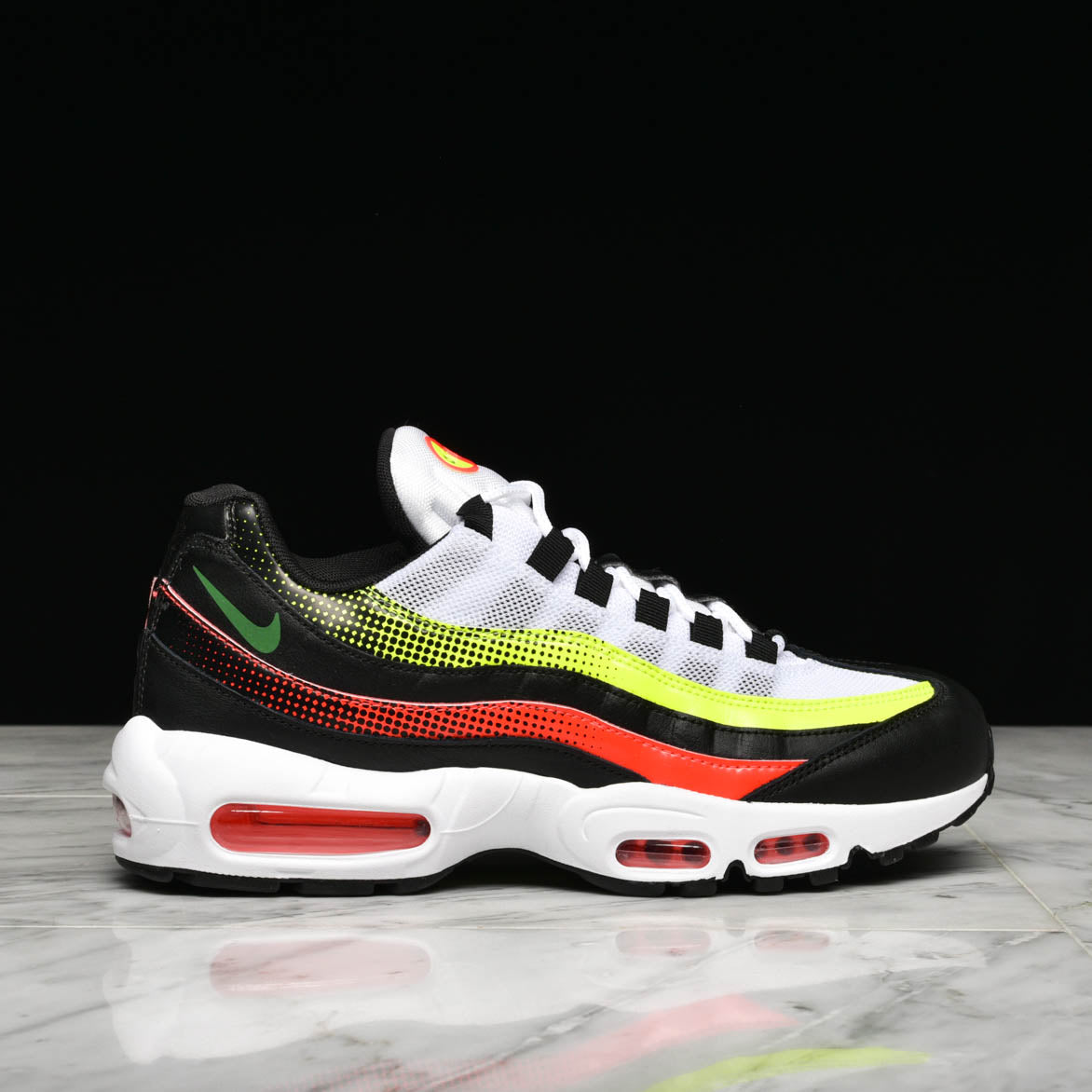 buy online 1231b e3055 AIR MAX 95 SE - BLACK   BRIGHT CRIMSON   VOLT   lapstoneandhammer.com