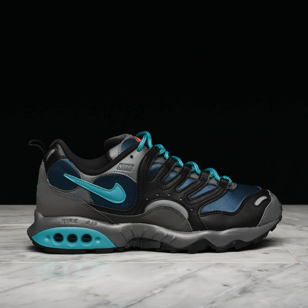 NIKE AIR TERRA HUMARA `18 - BLACK / SPIRIT TEAL / NIGHTSHADE
