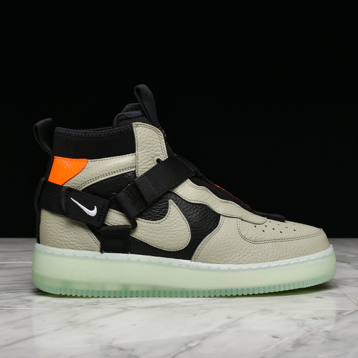 huge discount 0a4bc 9d315 AIR FORCE 1 UTILITY MID