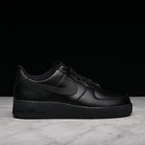 AIR FORCE 1 - BLACK / BLACK