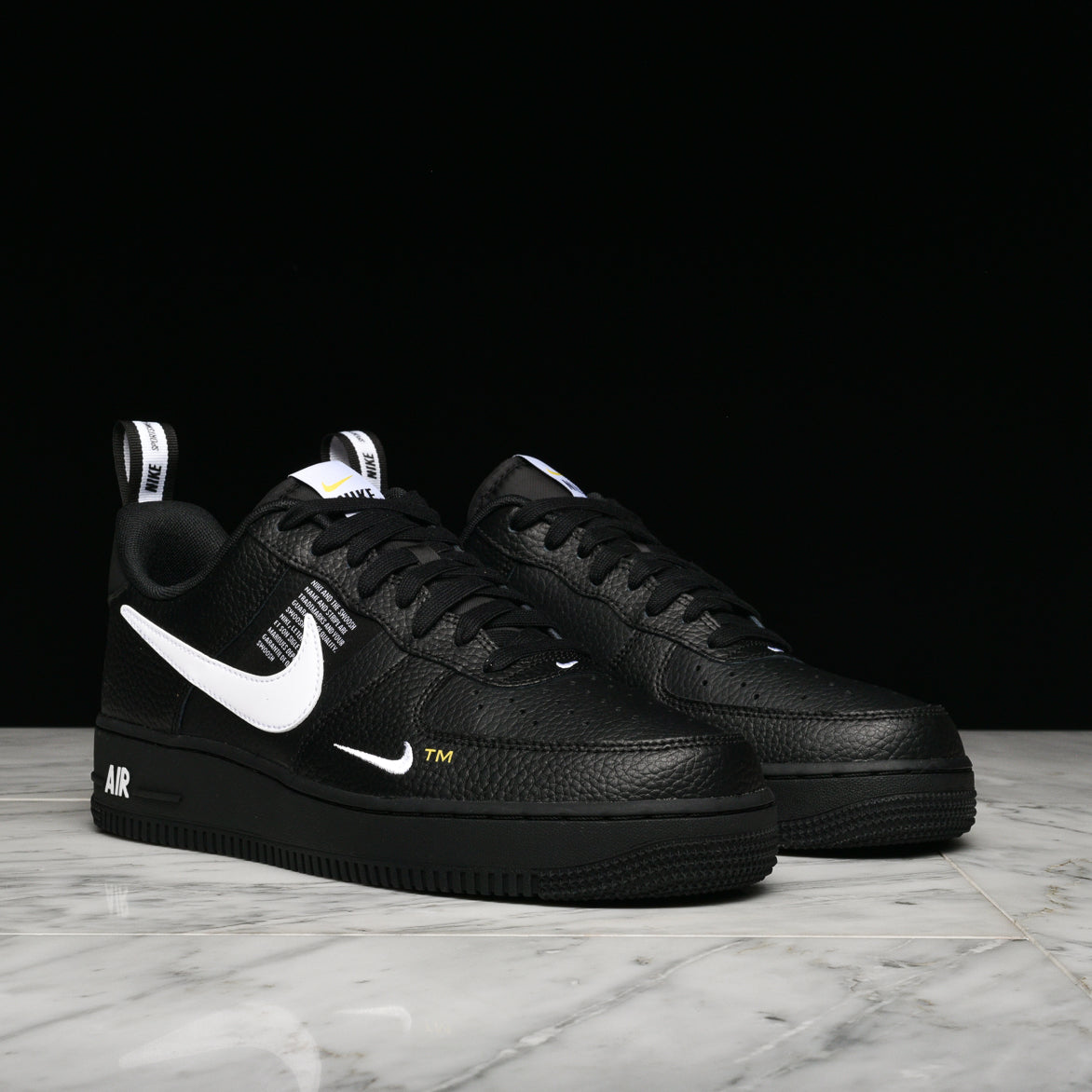 AIR FORCE 1 `07 LV8 UTILITY - BLACK / WHITE