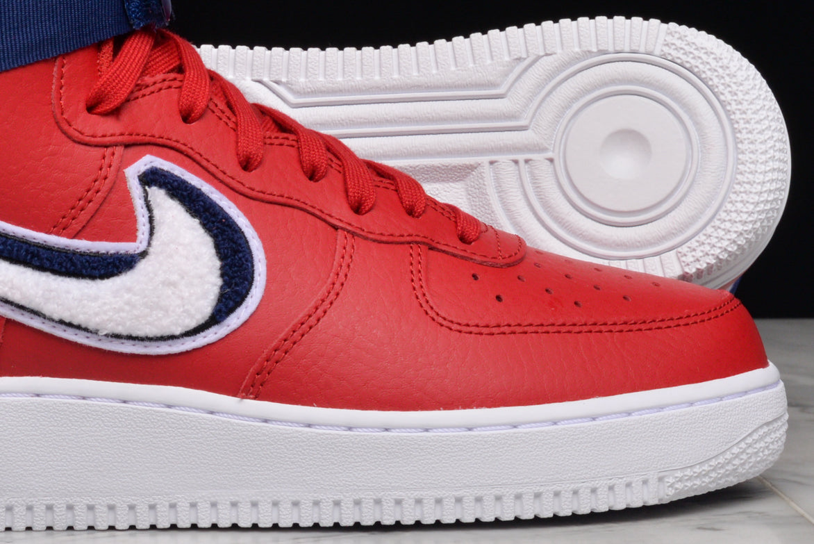 "AIR FORCE 1 HIGH `07 LV8 ""CHENILLE SWOOSH"" - GYM RED"