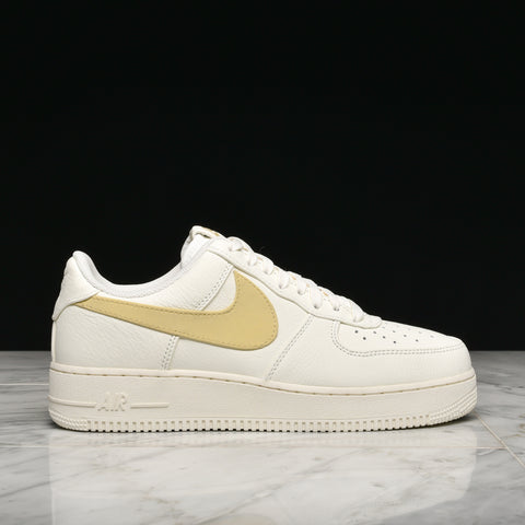 "AIR FORCE 1 '07 PRM 2 ""BIG SWOOSH"" - SAIL / PALE VANILLA"