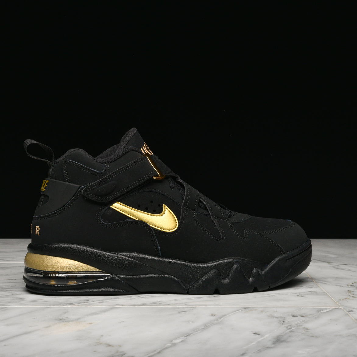 AIR FORCE MAX CB - BLACK / METALLIC GOLD