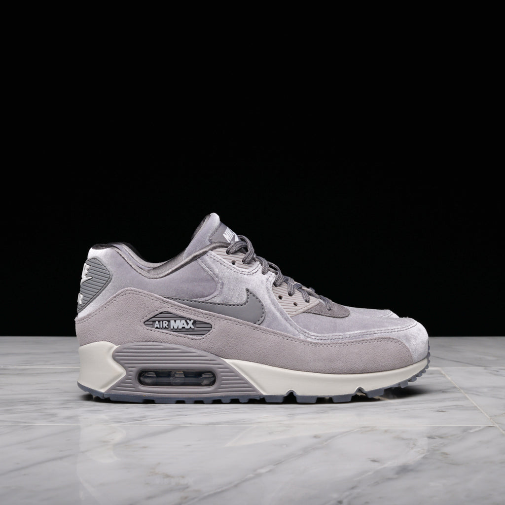 san francisco 2cf0f 7f09d WMNS AIR MAX 90 LX - GUNSMOKE