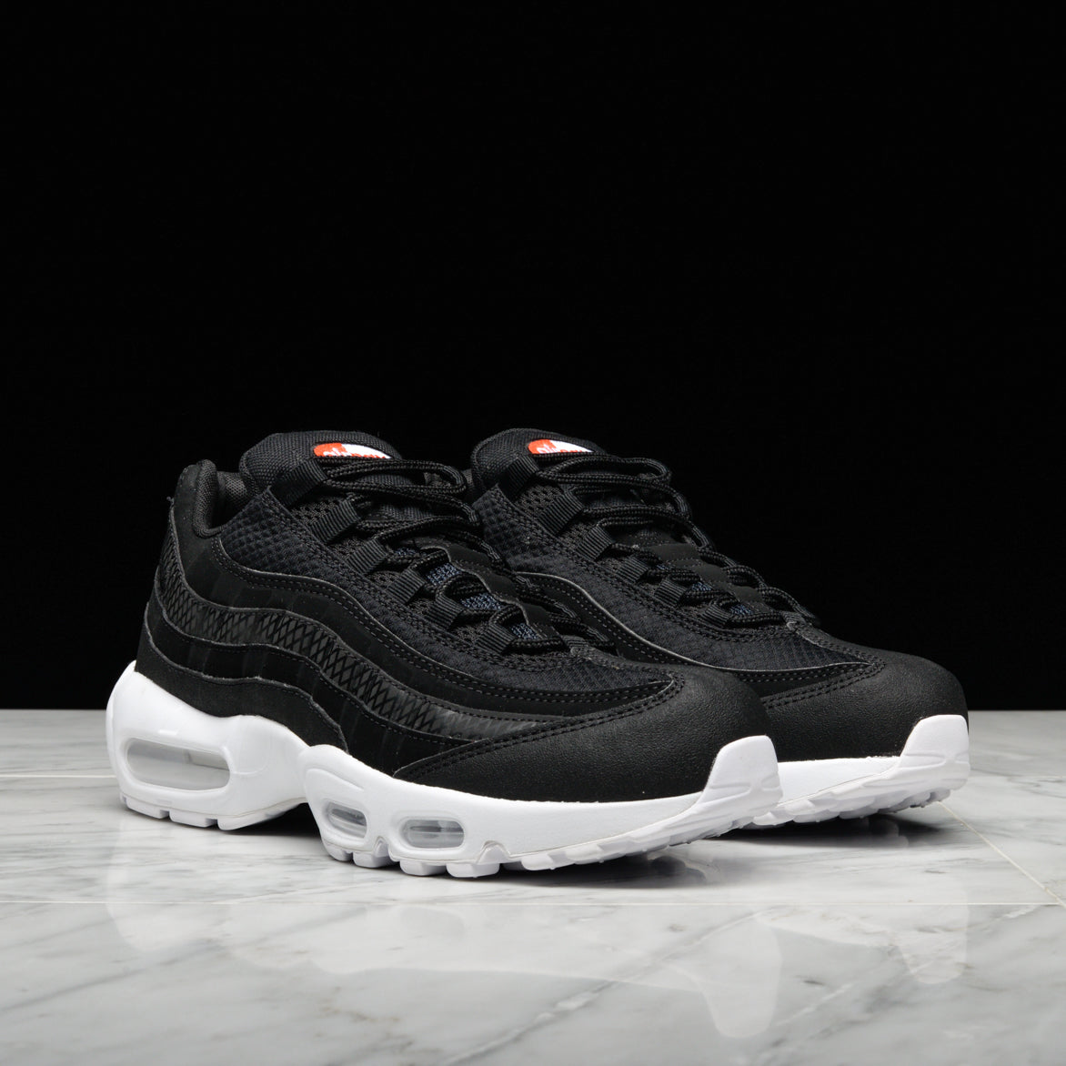 4d574dd60a60 ... AIR MAX 95 PREMIUM SE - BLACK   WHITE   TEAM ORANGE ...
