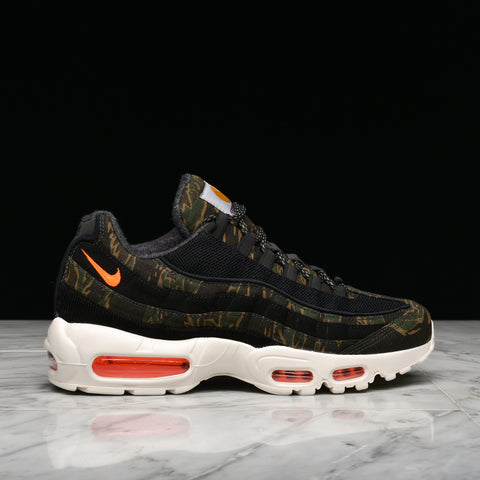 CARHARTT WIP X NIKE AIR MAX 95 - BLACK / TOTAL ORANGE