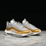 "WMNS AIR MAX 97 SE ""METALLIC GOLD PACK"" - VAST GREY / METALLIC SILVER / METALLIC GOLD"