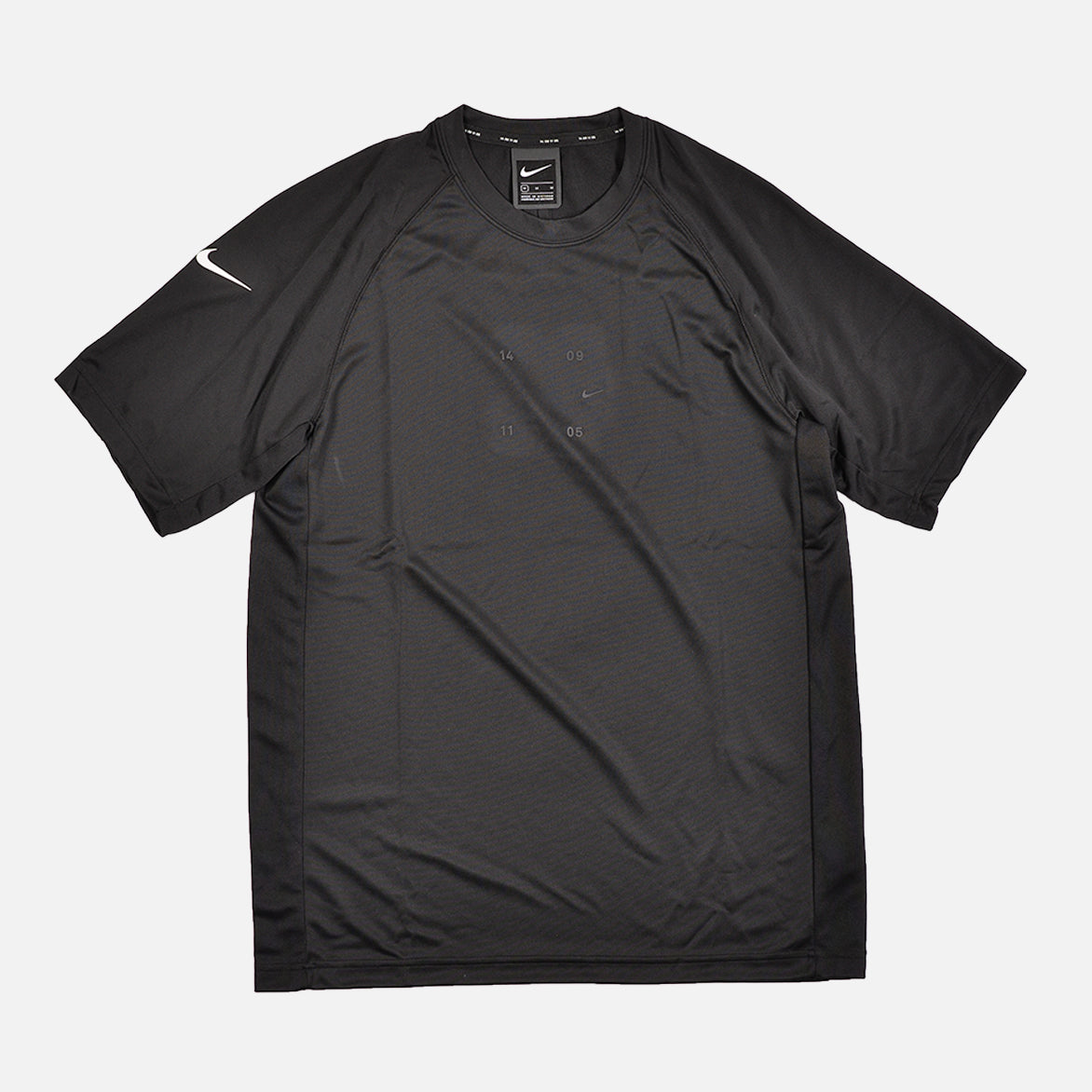 NSW TECH PACK KNIT TEE - BLACK / WHITE