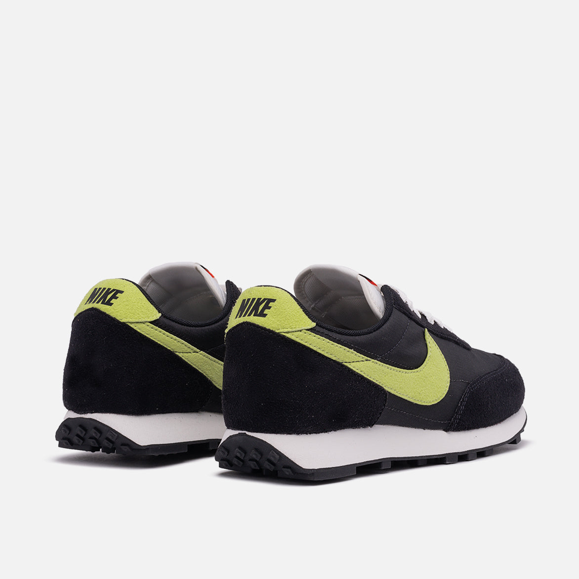 "NIKE DAYBREAK SP ""LIMELIGHT"""